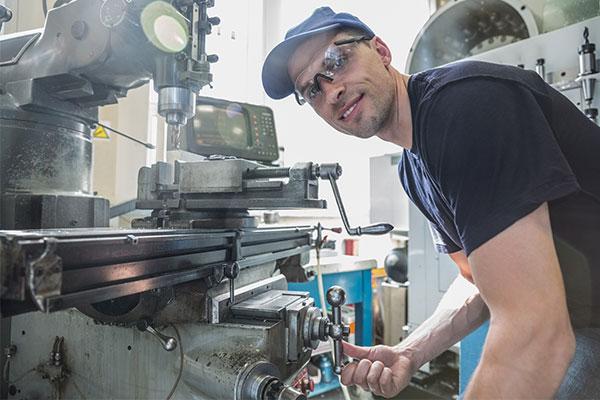WTS Maschinen - wir arbeiten mit Fachpersonal
